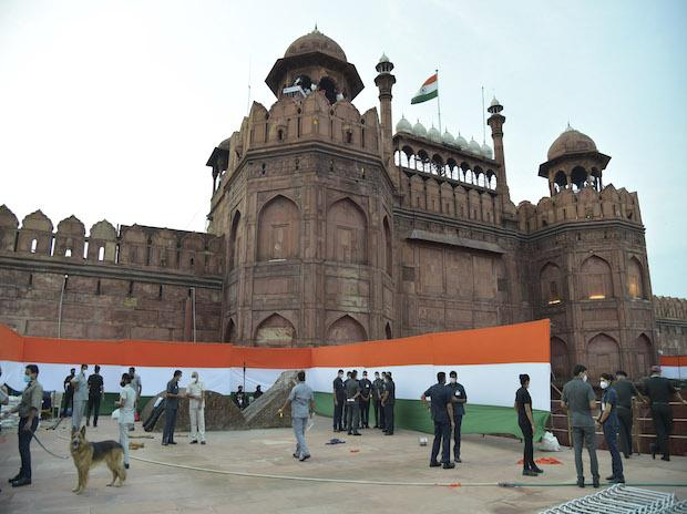I-Day: PM to unfurl flag at Red Fort, helicopters to shower flower petals