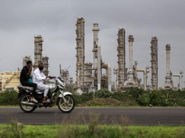 As fuel prices spike, India plans refiners' joint deals to cut import bill