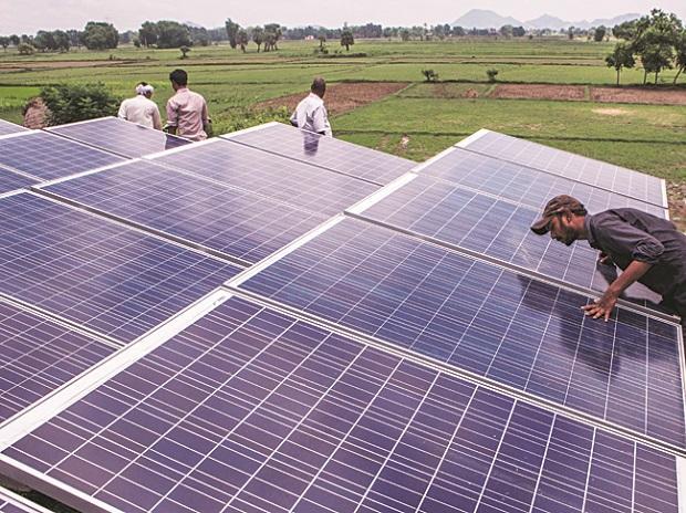 PM Modi discusses India's RE landscape with US-based solar manufacturer