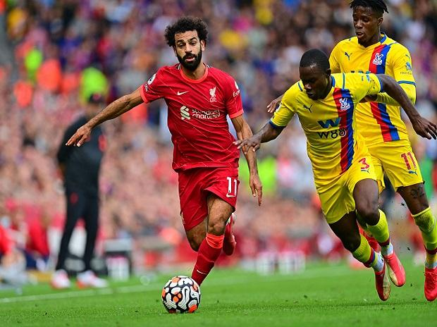 Liverpool cruise but Manchester City drop points in Premier League