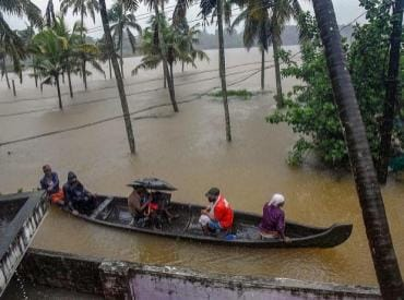 Kerala floods LIVE: With two more deaths on Sunday, toll reaches 370