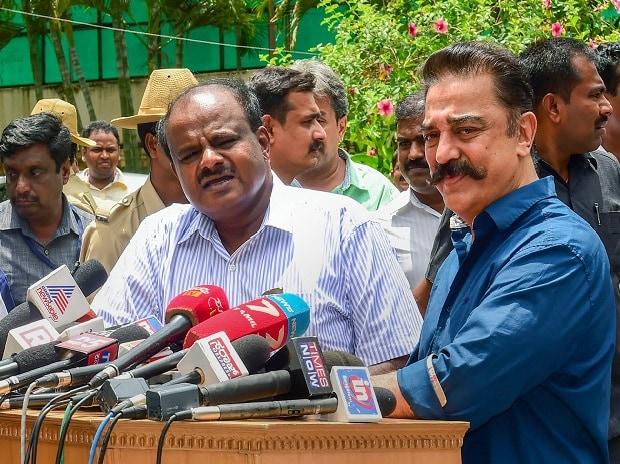 Karnataka Chief Minister HD Kumaraswamy and MGM chief Kamal Hassan address the media after a meeting, in Bengaluru on Monday, June 04, 2018.