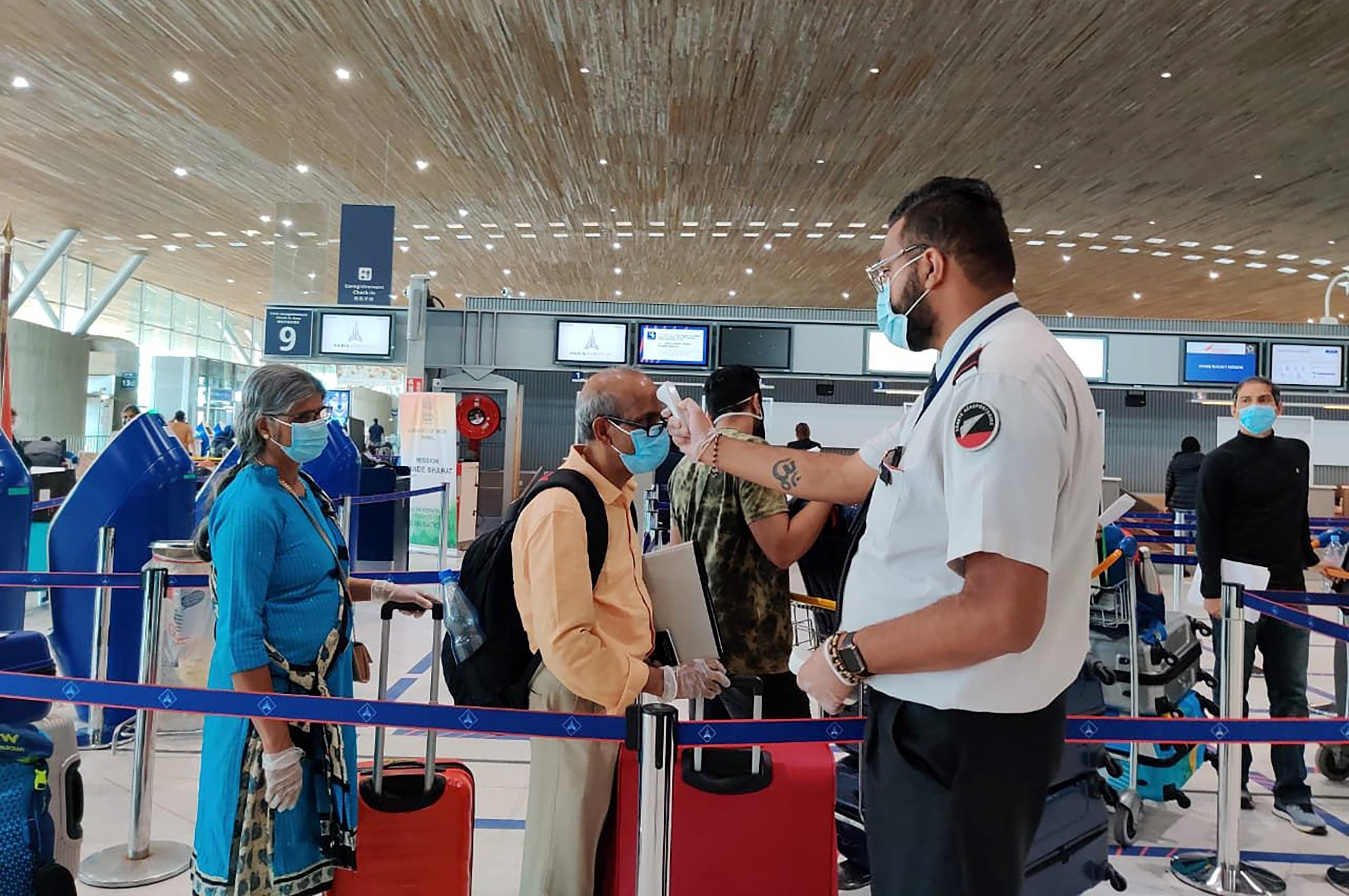 India Coronavirus Dispatch: Travel agencies plan 'vaccine tourism' packages  | Business Standard News