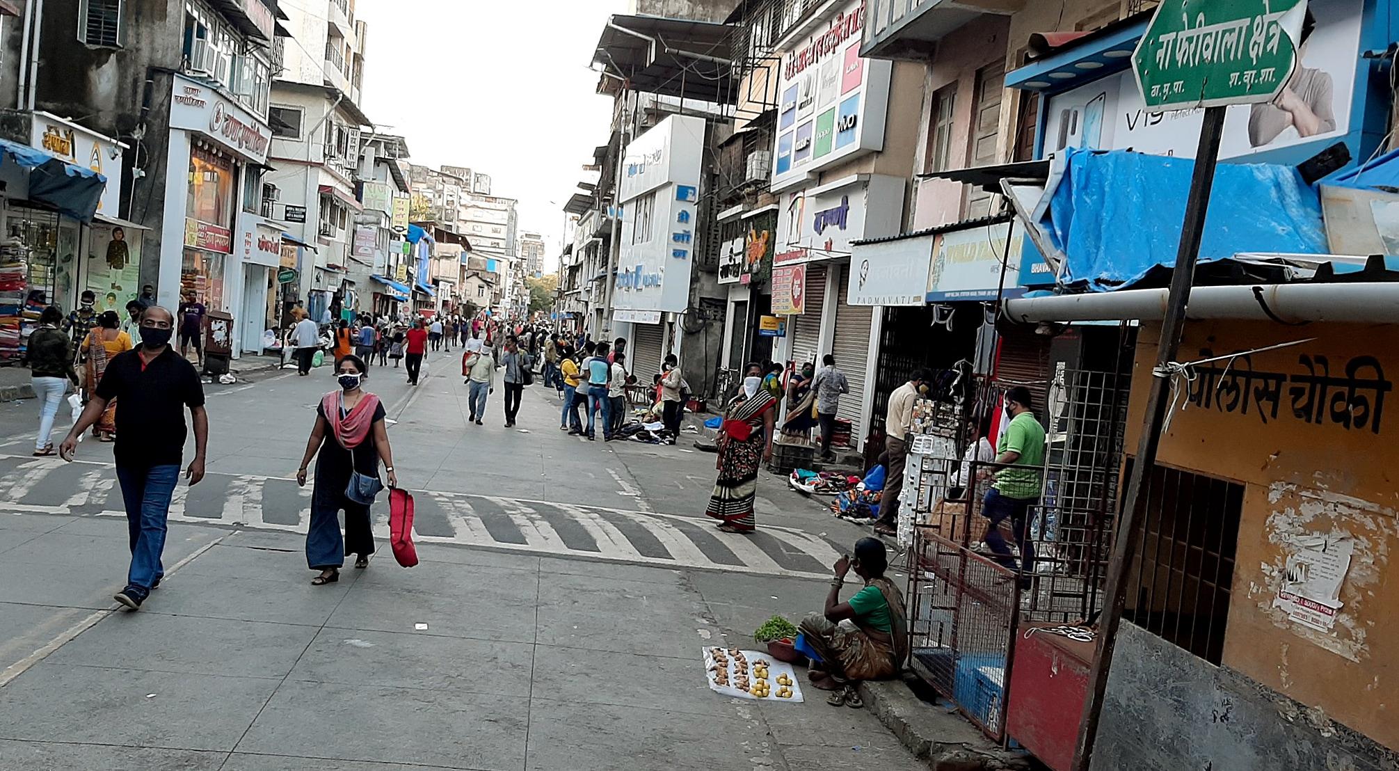 People coming to shopping for Rakshabandhan at Thane Market, in Mumbai