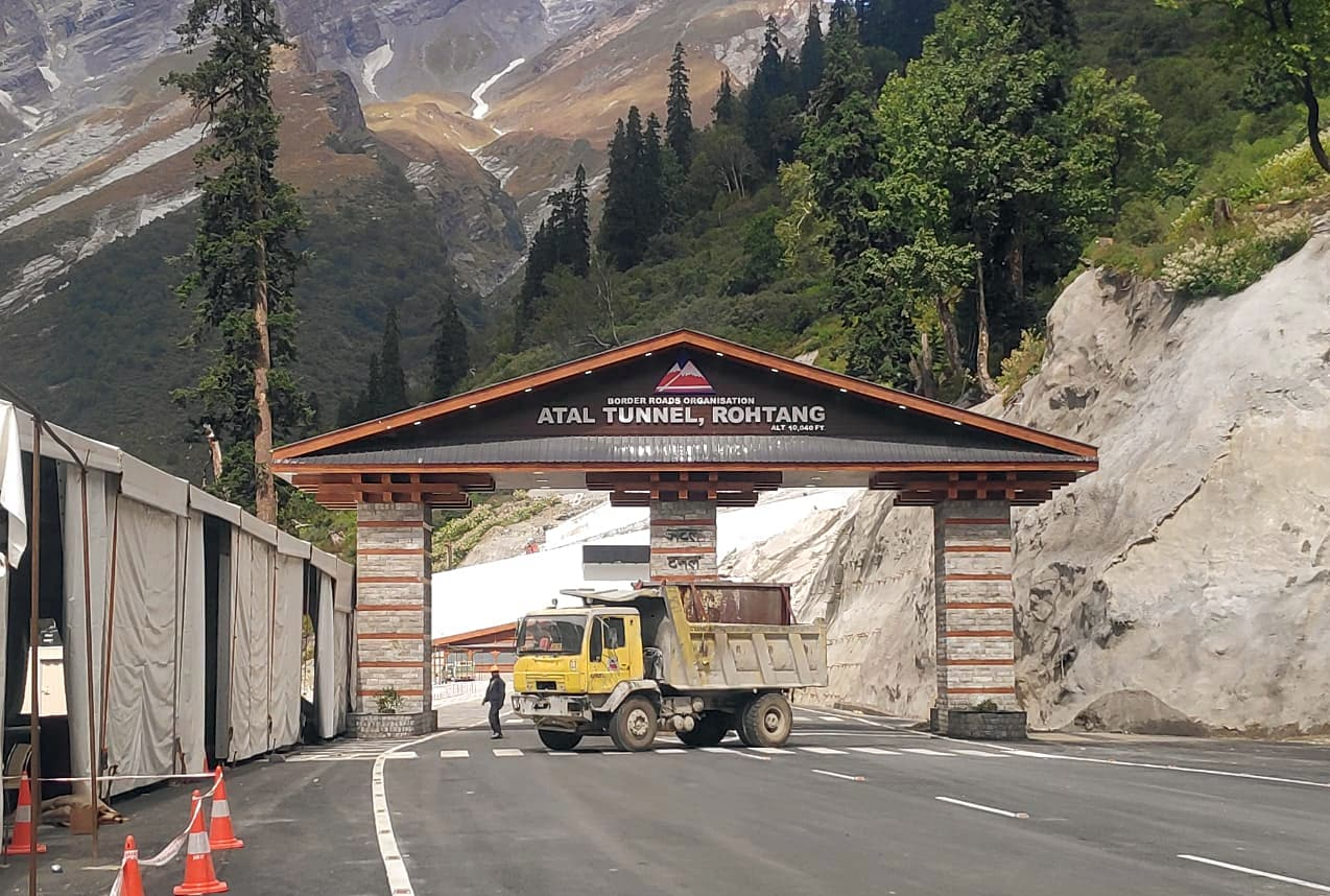 The longest highway tunnel in the world built at an altitude of 3000 meters
