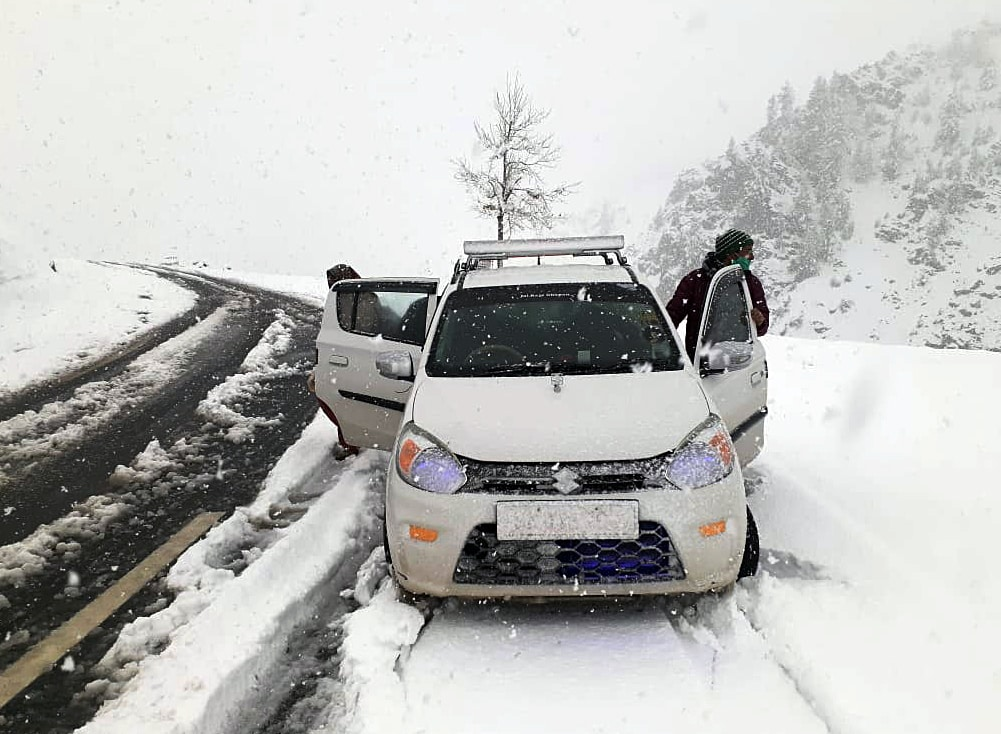 Sissu area in Lahaul and Spiti district receives snowfall on Monday