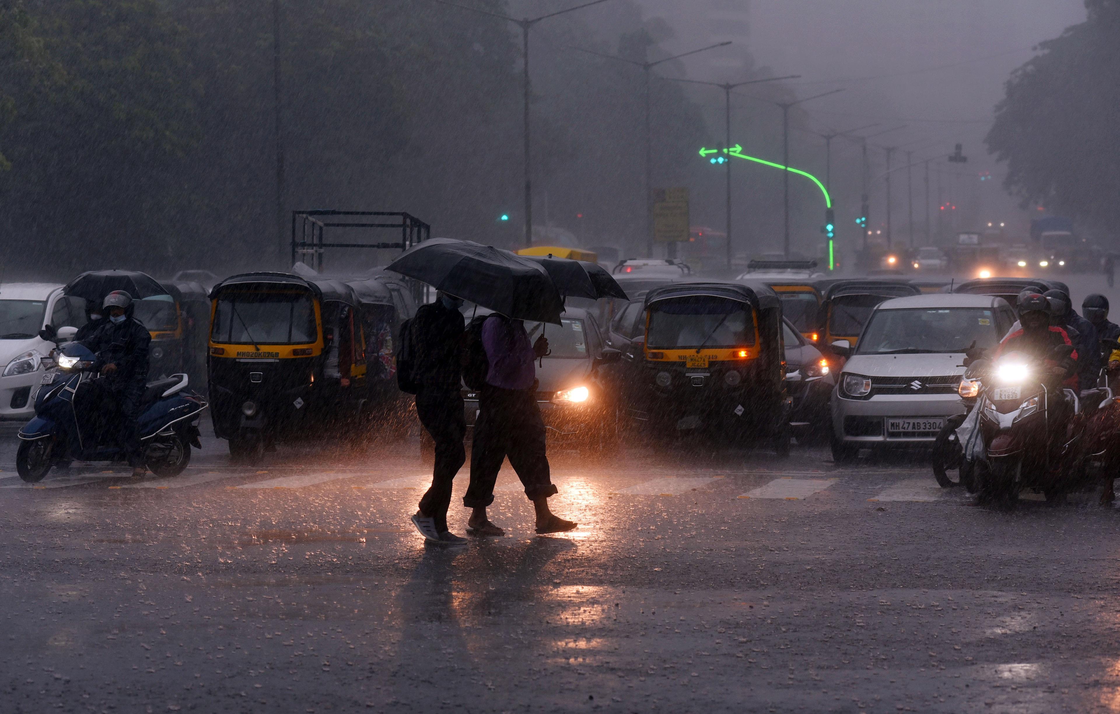 Heavy rains lash Mumbai; authorities gear up in view of IMD's alert