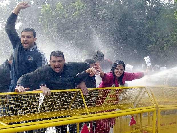 Arvind Kejriwal, AAP, Arun Jaitley, Protest