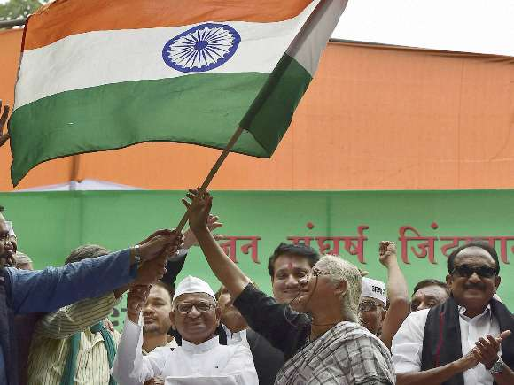 Anna Hazare, Arvind Kejriwal, Land Acquisition Bill, Protest