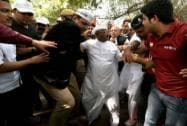 Anna Hazare protests against land ordinance