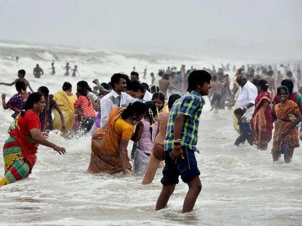 Heat wave, Chennai, Marina Beach, Delhi