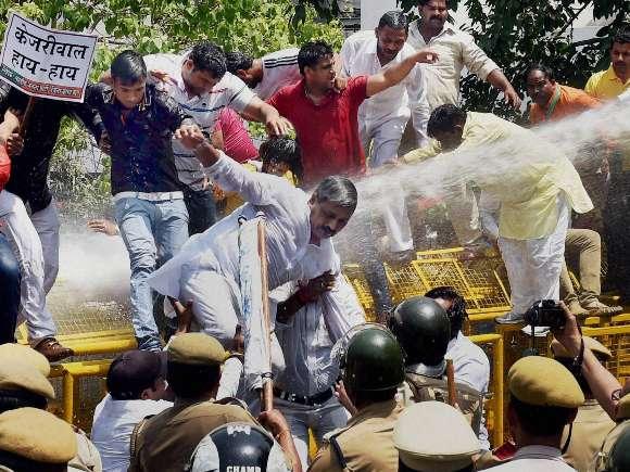 Farmer suicide, Narendra Modi, AAP, BJP