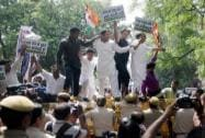 BJP stages protest against Kejriwal over farmer suicide