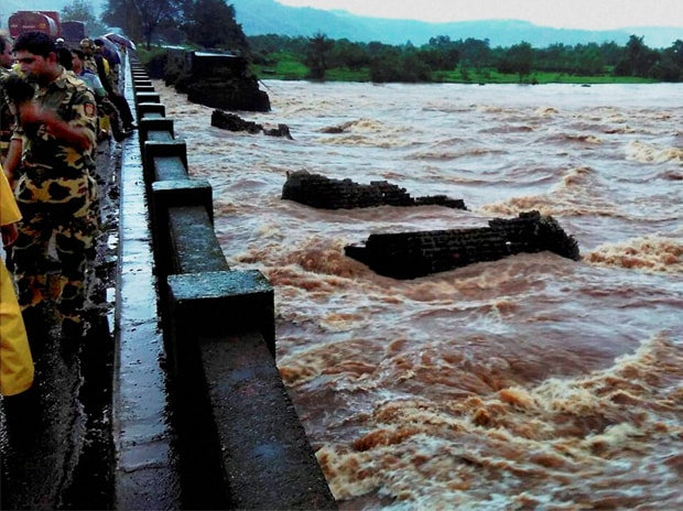 Bridge collapse, Mahad-Poladpur bridge, Mumbai-Goa highway, Savitri river