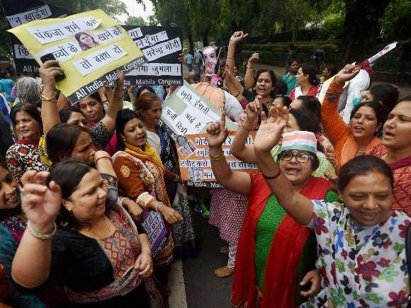 Smriti Irani, Sushma Swaraj, AAP, Congress