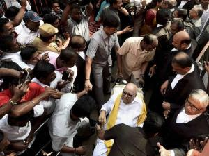 DMK chief appears in court in defamation case