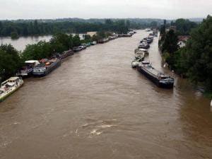 Flash floods lash France and Germany