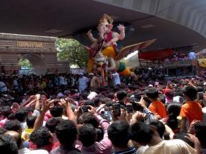 Ganesh idol being taken for immersion in Mumbai. Photo: Kamlesh Pednekar
