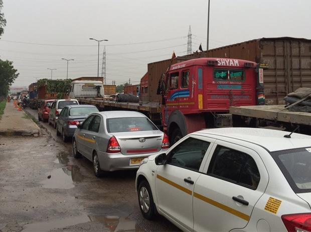 Rains, Gurgaon, Bengaluru, Traffic
