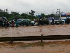 Heavy rain disrupts life in Gurgaon, Bengaluru