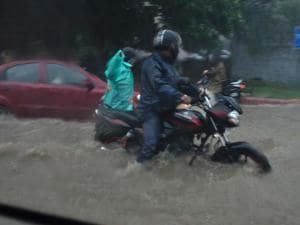 Heavy rains hamper daily life in Delhi