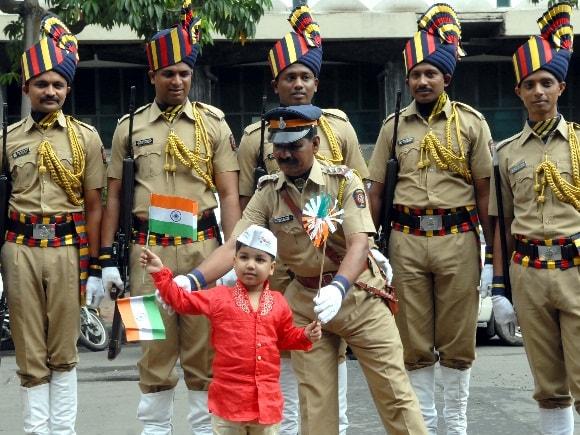 Fire brigade, Independence Day, Policemen, SRPF