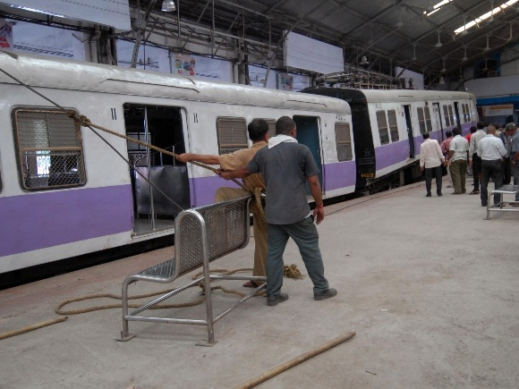 Train, Churchgate, Mumbai, Accident