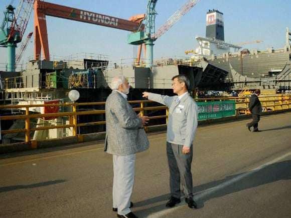 Narendra Modi, Hyundai, South Korea, Gimhae Air Base
