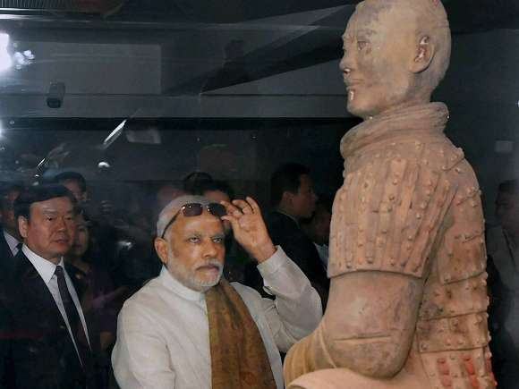 Narendra Modi, Terracotta Warriors Museum, Xi'an, China