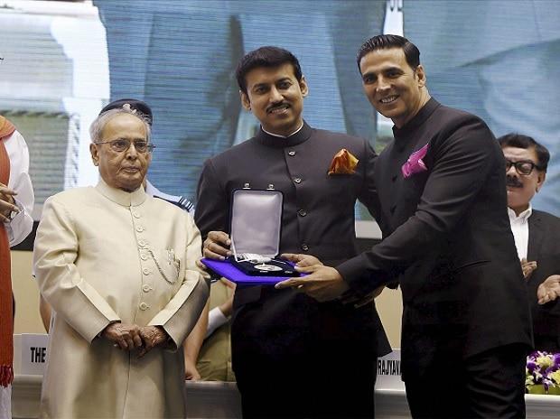 National Film Awards, President Pranab Mukherjee, Pranab Mukherjee, Akshay Kumar, K Viswanath, Surabhi Jyoti, Sonam Kapoor, Zaira Wasim, Adish Praveen, Manoj Joshi, Dadasaheb Phalke award, Rustom, Dangal, Neerja, Minnaminungu-The Firefly, Kunju Daivam, Rahyavardhan Singh Rathore, Venkaiah Naidu
