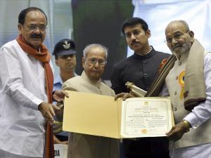 President Pranab Mukherjee honours National Film Award winners