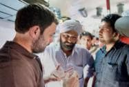 Rahul Gandhi takes a train to Punjab to meet farmers