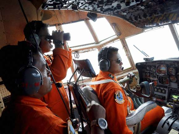AirAsia, Flight 8501, Tony Fernandes, Relatives