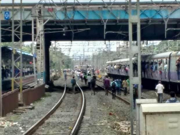 Train, Derailment, Mumbai, Suburban
