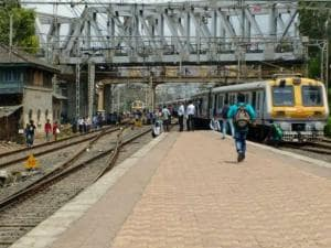 Train derailment: Services hit, Mumbaikars face trouble