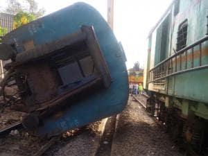 Train services in Mumbai hit as coach derails