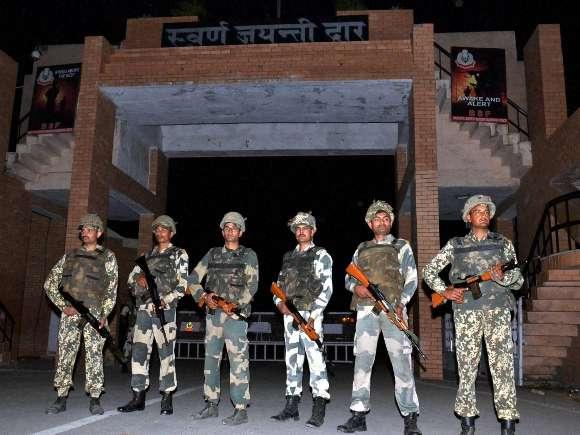 Wagah Border, BSF, Swaran Jayanti Dwar, Bomb blast