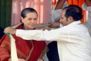 Sonia Gadhi during a election rally in Murshidabad