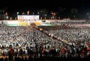 A huge crowd attends Uddhav Thackeray's election campaign
