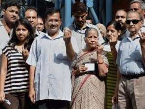 Delhi MCD polls: 39% till 2 pm, AAP blames EVMs again
