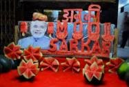 LS polls: Fruit seller campaigns for Modi