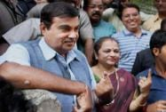 Nitin Gadkari shows his mark after casting his vote