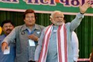 Modi with Vinod Khanna during an election rally