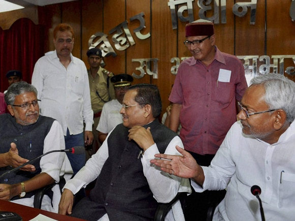 #NitishKumar, #AvadheshNarayan, #BJP, #SushilModi