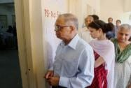 Infy's N R Narayana Murthy waits for his turn to vote