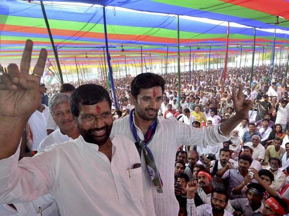 #YashwantSinha #NarendraModi #RamVilasPaswan #ChiragPaswan #RajnathSingh #VarunGandhi #BJP #Congress #AAP #JavedJaffery