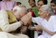 Victorious Modi seeks mother's blessings