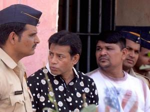 Abu Salem with other prison inmate inside Taloja Central Jail