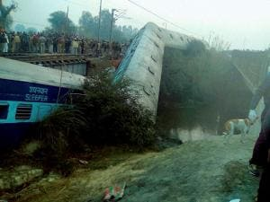 Rescue  and relief works in progress at the site of accident where  Ajmer-Sealdah express train derailed