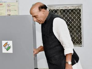 Rajnath Singh  casting his vote